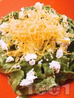 Зелени фетучини със сирене бри и чедър - снимка на рецептата